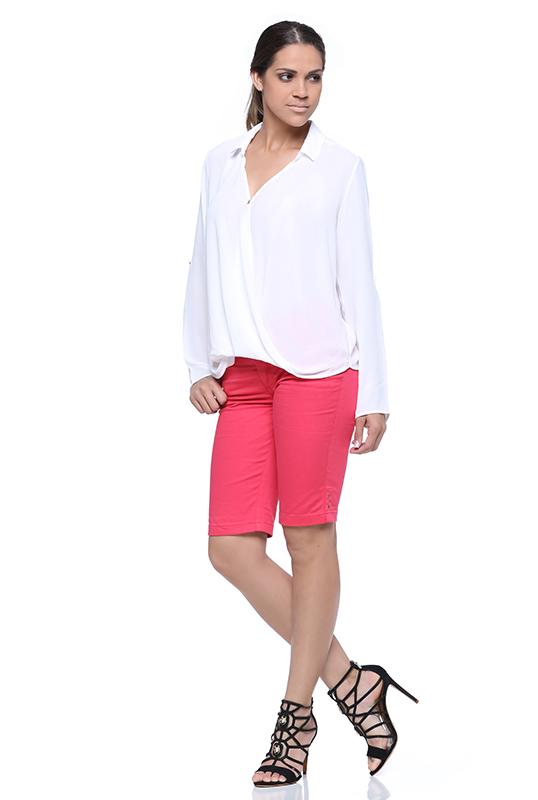 look-para-trabalho-bermuda-jeans-feminina-damyller-2