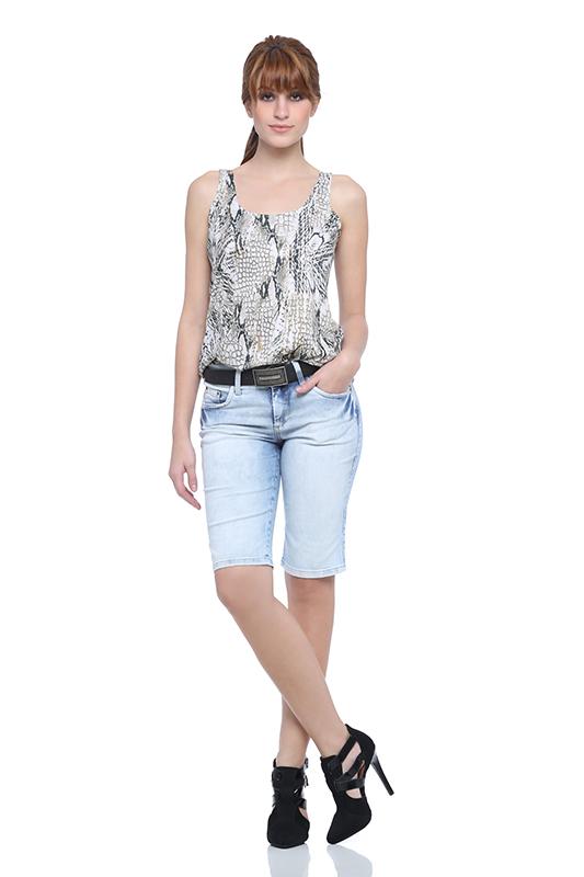 look-para-trabalho-bermuda-jeans-feminina-damyller-6