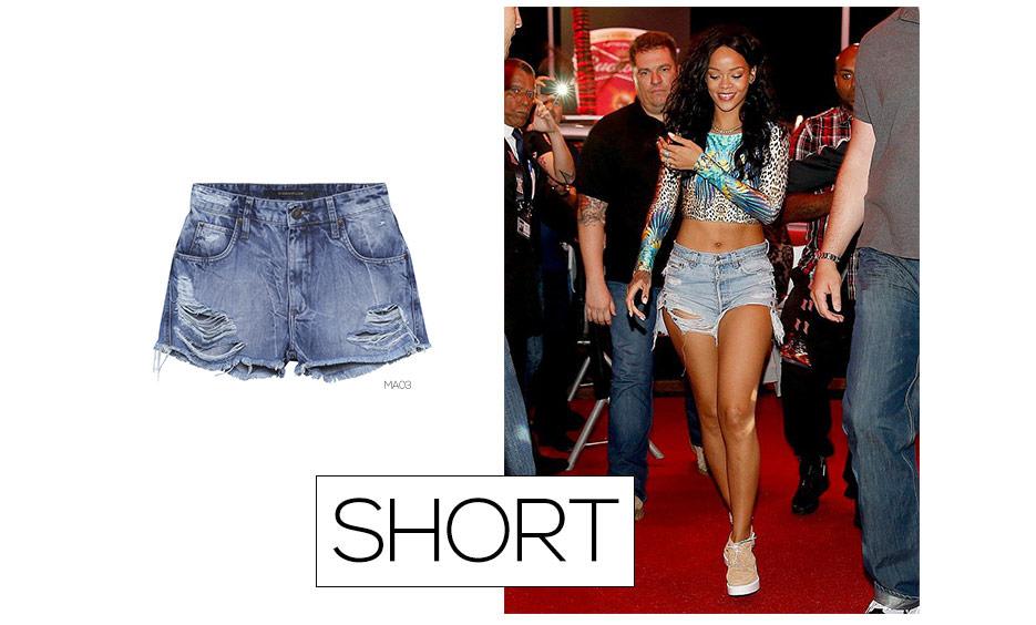 rihanna com short jeans