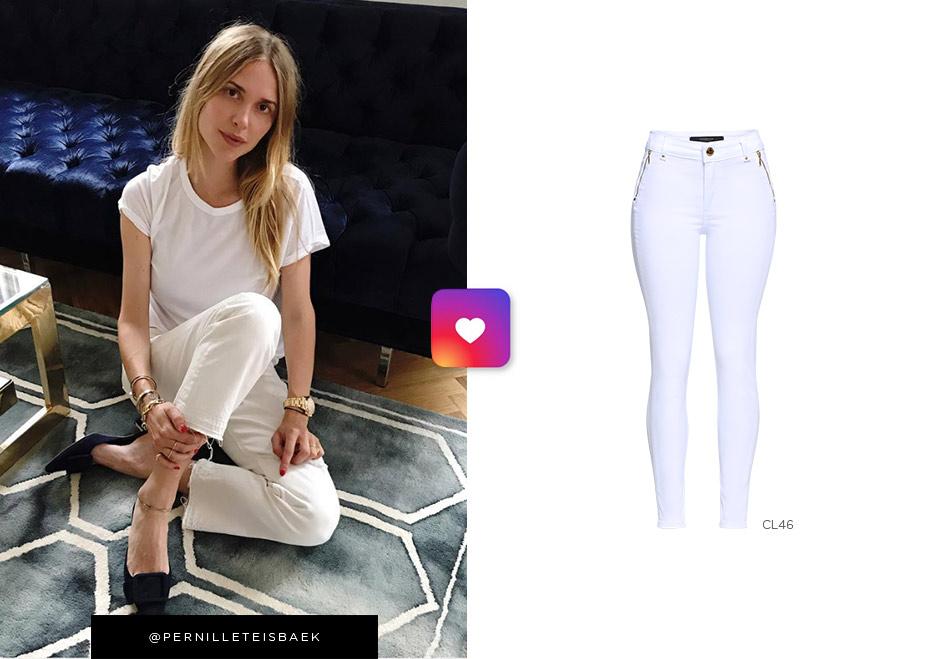 pernille usando jeans branco