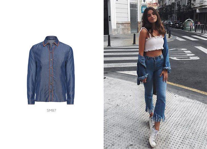 camisa jeans e calça jeans barra desfiada