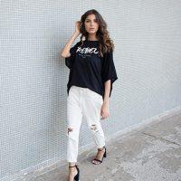 Calça jeans e camiseta: a dupla mais cool da temporada