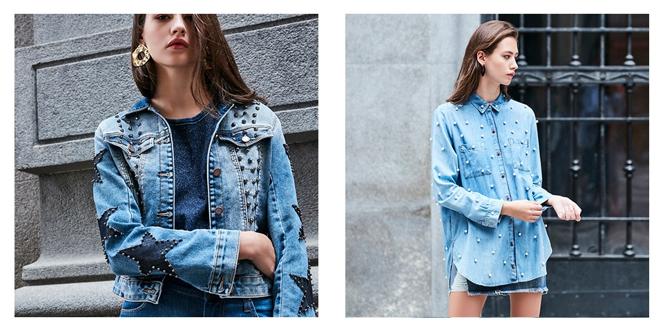 Jaqueta jeans com tachas e estrelas sobre camiseta de malha, segundo look camisa jeans com pérolas e mini saia jeans