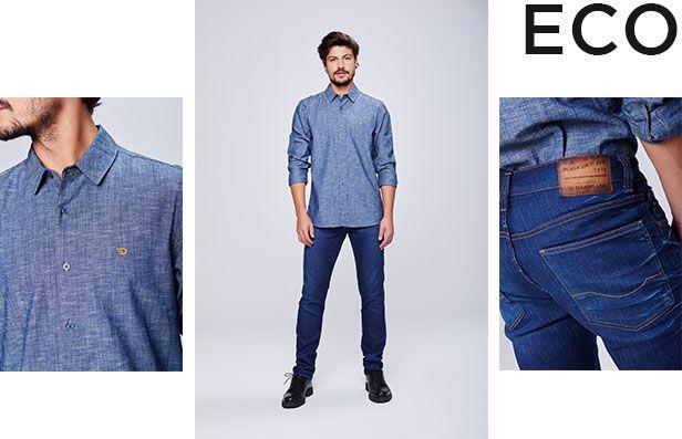 Calça jeans escuro masculina com camisa jeans claro., peças com zero descarte de água.