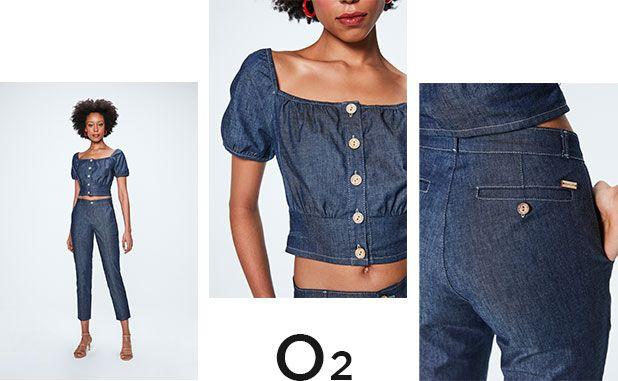 Calça jeans chino e top cropped com abotoamento frontal e mangas bufantes, duas peças com zero descarte de água.