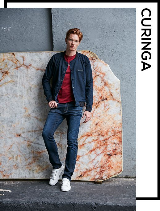 look total jeans com tênis branco
