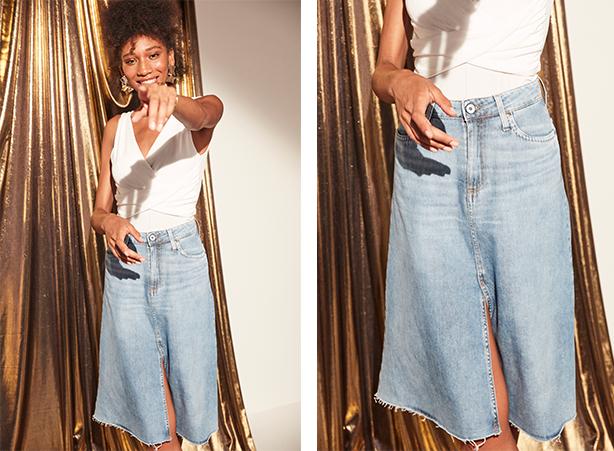 Saia midi jeans claro com fenda frontal