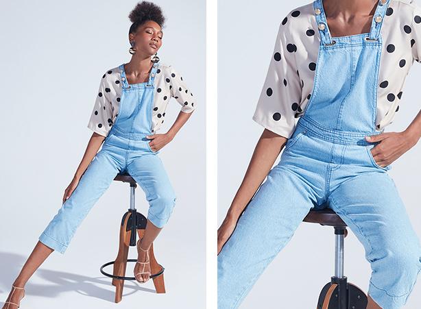 Jardineira em jeans claro com camisa