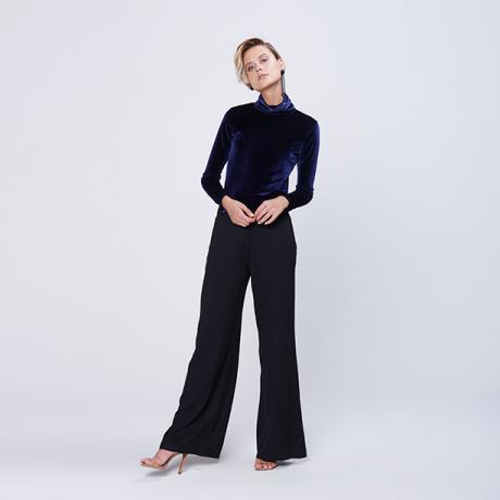 Calça pantalona feminina comprimento longo na cor preta